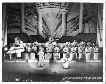 strandTheatre_49_hamp_and_full_band