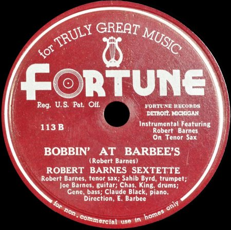 Robert-Barnes_Fortune_bobbin_at_barbies
